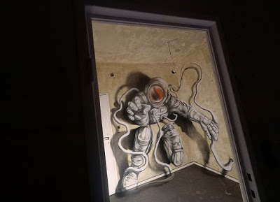 The astronaut a mural painted by Ale Senso